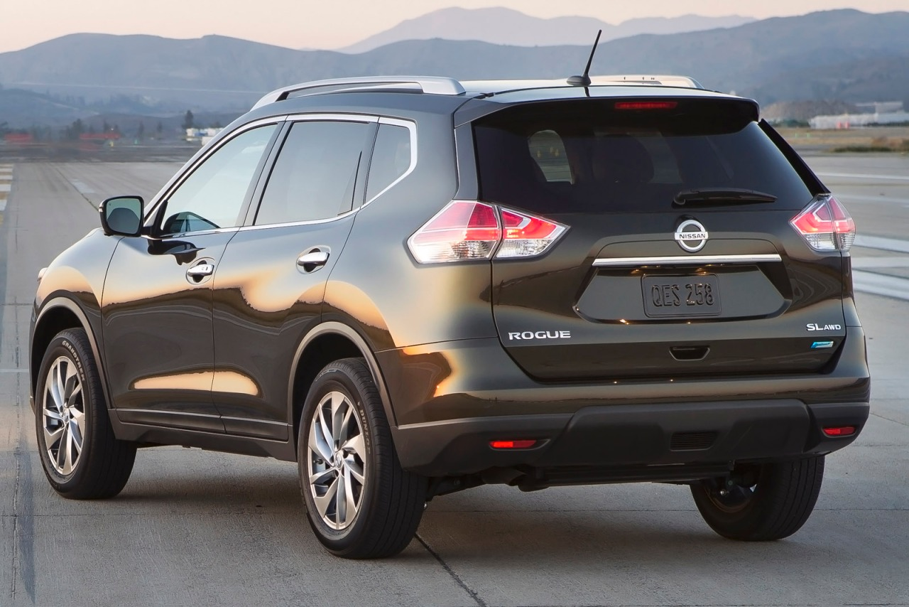 crossover cargo a rogue is nissan conscious review cost new car family reviews