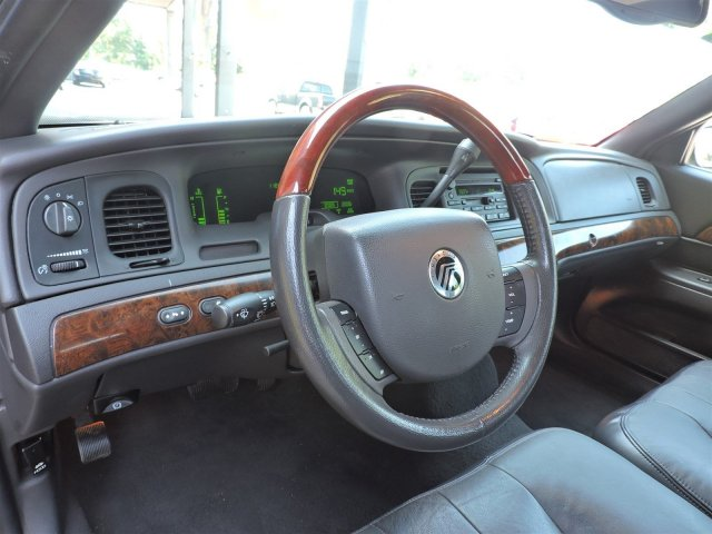 pre owned mercury grand marquis in hillsborough nc vc1402. Black Bedroom Furniture Sets. Home Design Ideas