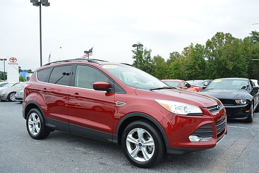 2014 ford kuga vs 2014 toyota rav4 vs 2014 honda cr v for Honda crv vs toyota rav4 2014