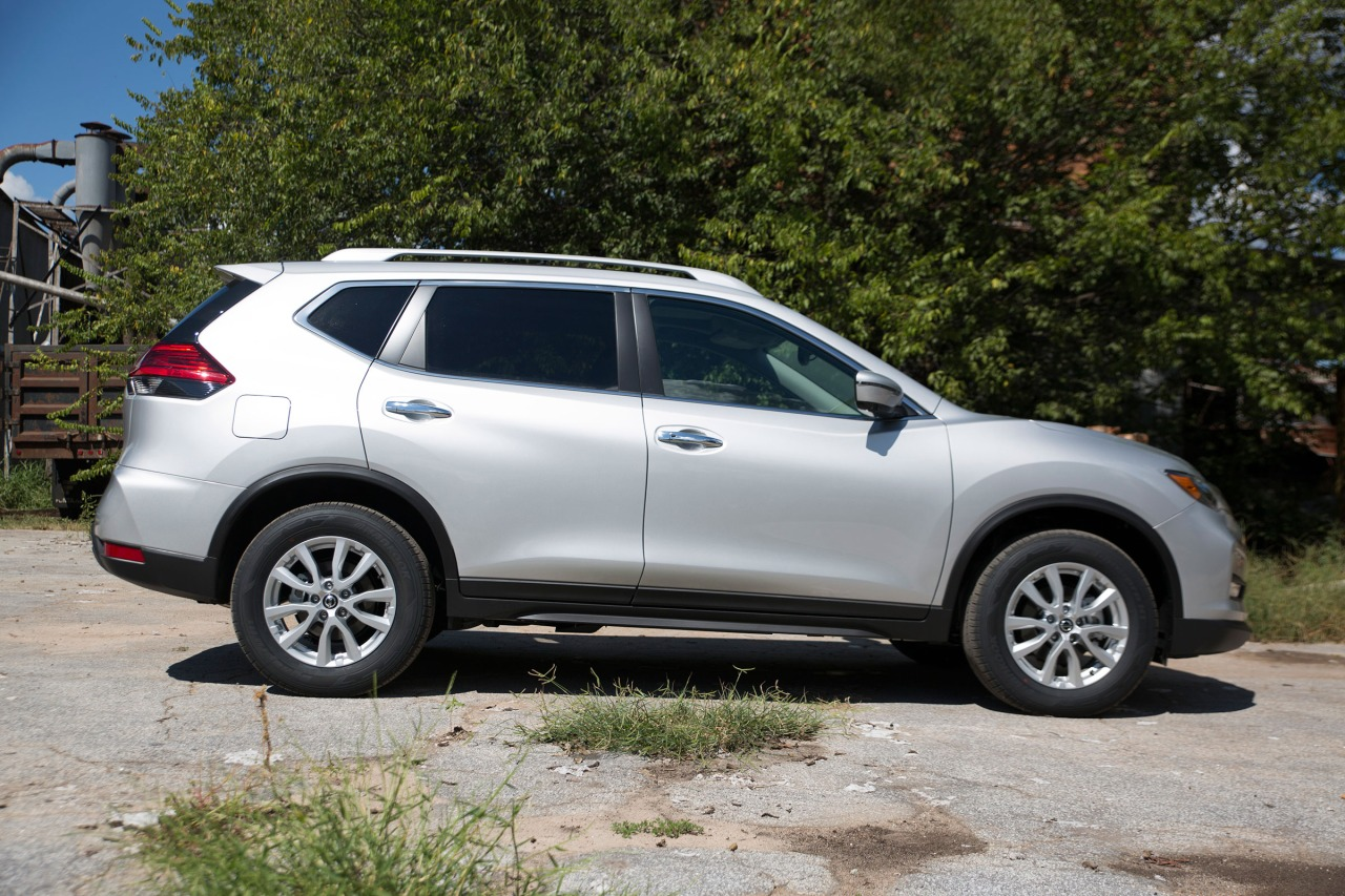 how to switch to all wheel drive in.nissan rogue