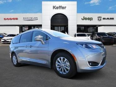 2017 Chrysler Pacifica TOURING-L Mini-van, Passenger Charlotte NC