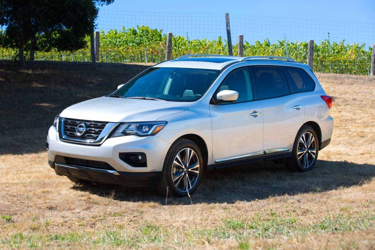 Nissan Sentra Commercial Autos Post
