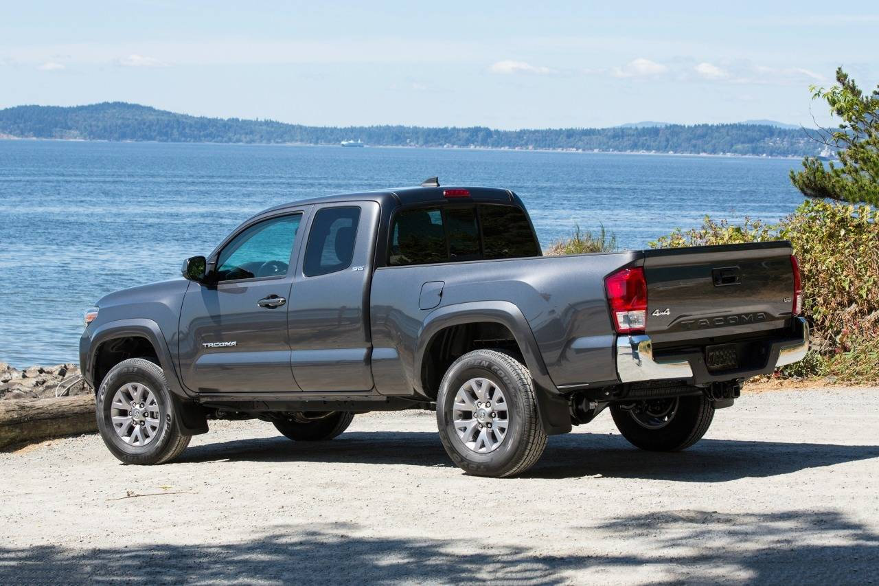 2017 toyota tacoma trd pro review ratings edmunds autos post. Black Bedroom Furniture Sets. Home Design Ideas