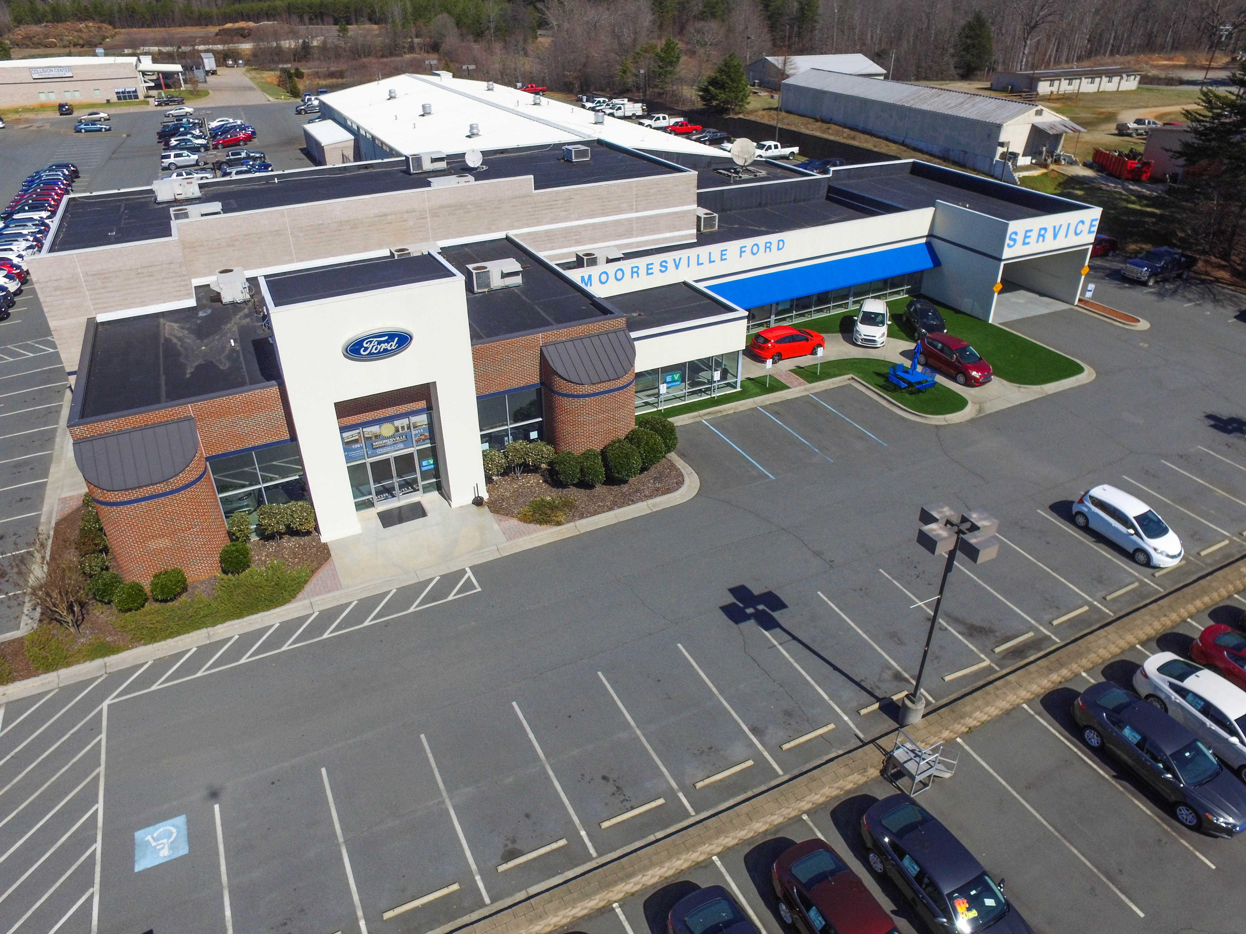 Mooresville Ford front